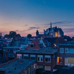 Avond valt in Leiden