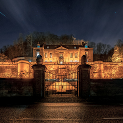 Chateau Neercanne at night