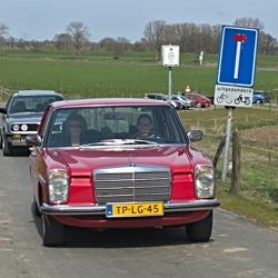 Een Mercedes Benz 230-4.