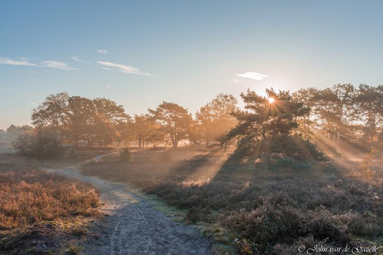 Brunssummerheide tijdens de zonsopkomst - De Brunssummereheide tijdens de zonsopkomst.<br /> Bedankt, voor jullie fijne reacties.<br /> Groet, John.