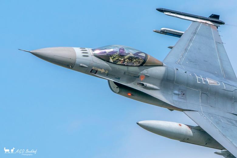 F16 (Volkel 2019) - Een kijkje in het kantoor van de piloot. Foto is afgelopen vrijdag tijdens de luchtmachtdagen op Volkel genomen.<br /> <br /> Be