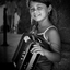 Jonge straatmuzikant