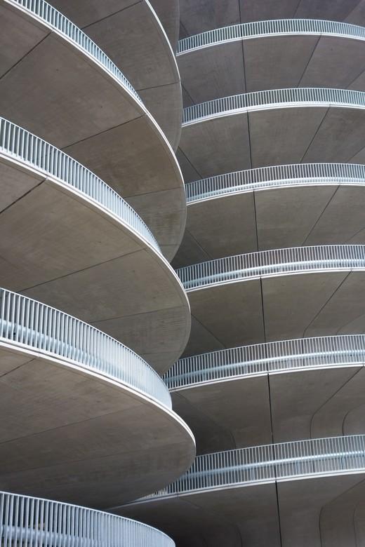 Amsterdam - Parking - Nieuwe parkeerplek nabij het RAI gebouw, Amsterdam.
