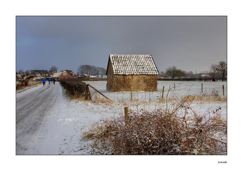 """Schuurtje - Dit oude schuurtje staat naast de boerderij  """"Schots en Scheef"""",waarvan ik een tijdje geleden een foto heb geplaatst."""