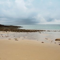 Strand in Bretagne . . .