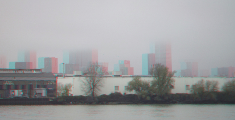 Rotterdan Nieuwe Maas in mist 3D - anaglyph stereo <br /> red/cyan  cha-cha