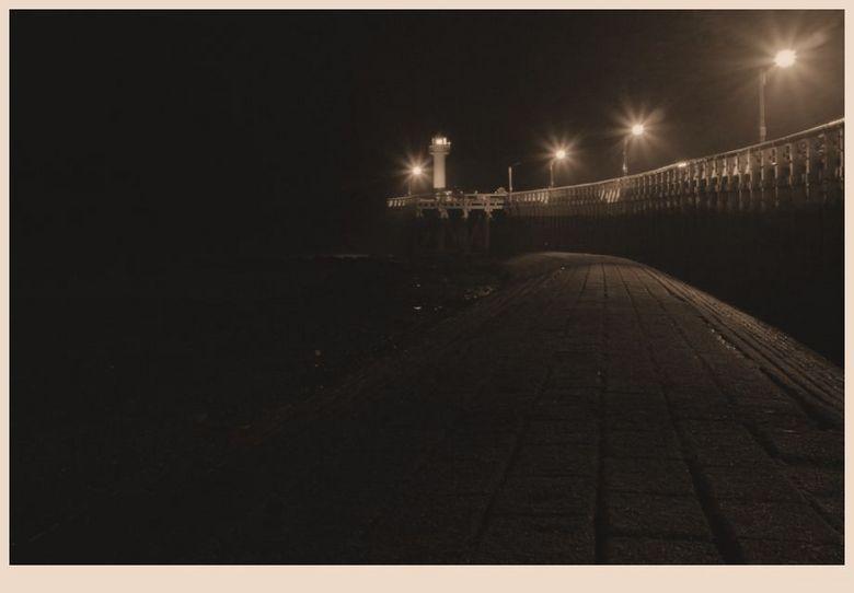 Nieuwpoort by night 2 - Terug eentje van nieuwpoort.<br /> Iso 100,f/16,30&quot;