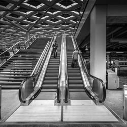 Meeting on escalator