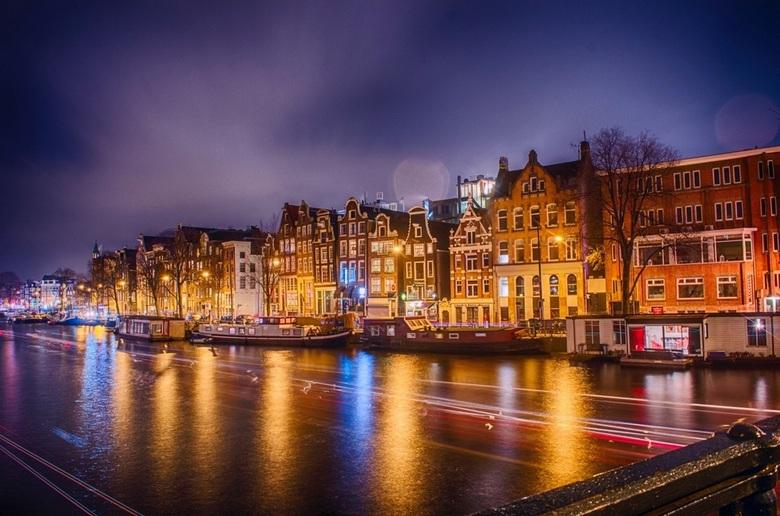 Amstel Kade Amsterdam - Een foto uit mijn archief eind 2014 gemaakt in Amsterdam