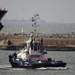 Tugboat Phoenix inbound IJmuiden
