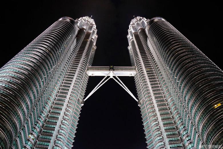Petronas Towers - Petronas Towers in Kuala Lumpur Maleisie. Een eenmalige kans tijdens een overstap tussen Vietnam en Amsterdam. Het statief zat in de