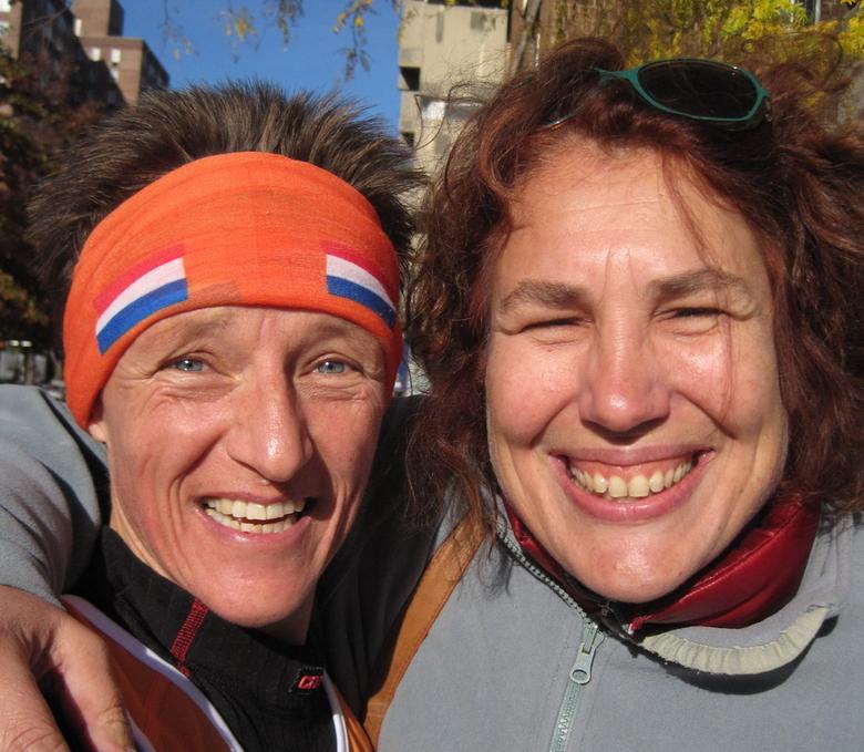 Good old friends - Na 30 jaar elkaar niet te hebben gezien, was er een onverwachts weerzien in New York, tijdens de New York City Marathon. Hoe klein