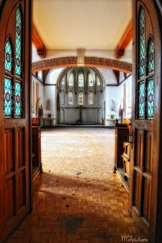 St hilaris - Prachtig verlaten klooster