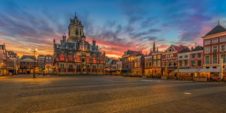 De Markt in Delft ... - De Markt in Delft tijdens een bijzondere zonsondergang ...