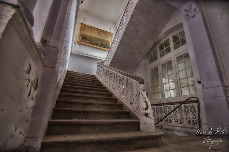 Stairway - Prachtige trap in een verlaten badhuis