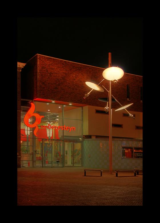 Cultuurcentrum vanBeresteyn - Alweer een paar weekjes geleden met fotografiefanaten in het centrum van Veendam gaan rondhangen met onze camera's
