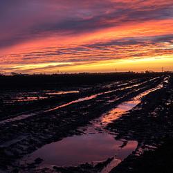 na een kletsnatte dag wordt toch nog beëindigd met een spectaculaire zonsondergang