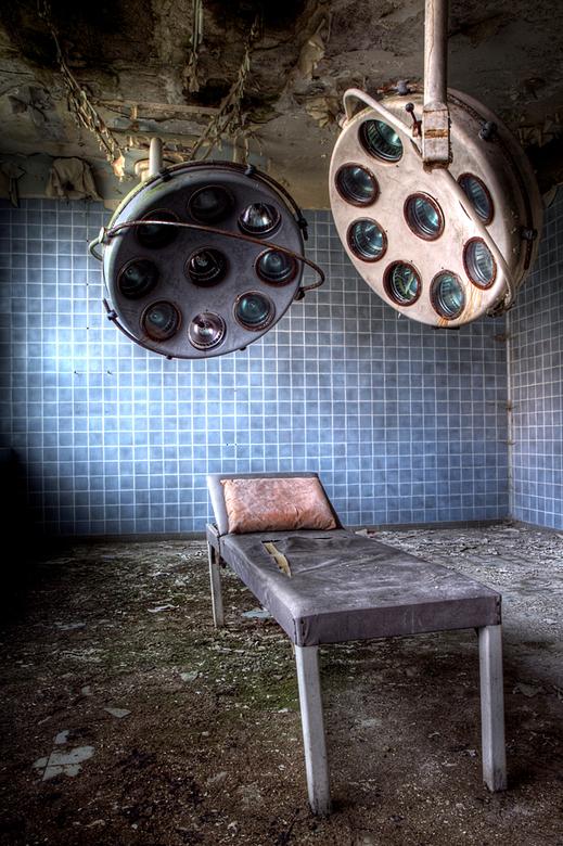 Militair Hospital 8 - Op 22-9-2010 hebben Jos en ik een bezoek gebracht aan dit ziekenhuis<br /> <br /> Het is een hdr foto<br /> <br /> Kijk ook