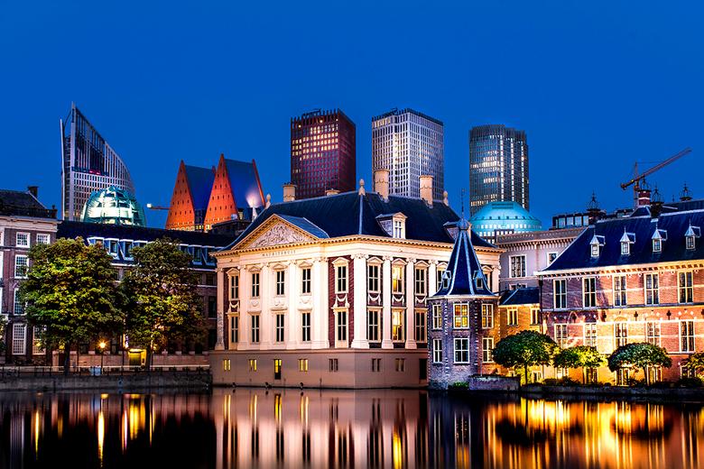 Den Haag in avondlicht - Mijn eerste HDR foto. Geweldig om te doen! Op naar de volgende foto.