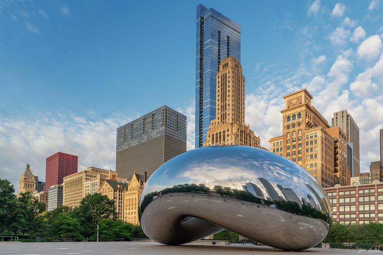 Cloud Gate (The Bean) - Cloud Gate (The Bean - 2004/2006 Anish Kapoor) - Chicago Illinois   USA