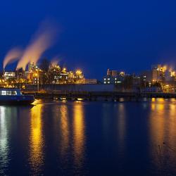 Pont voor chemische fabriek,