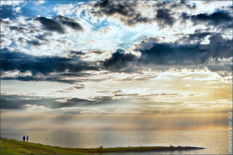 """Wandelen... - Weer een Friesland foto...ook daar heb ik er nog heel veel van <img  src=""""/images/smileys/wilt.png""""/> Met dank aan Ron voor z&#039;n fil"""