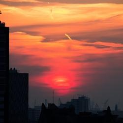 Zonsondergang bij Euromast
