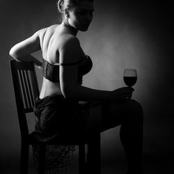 A romatic wine in the dark