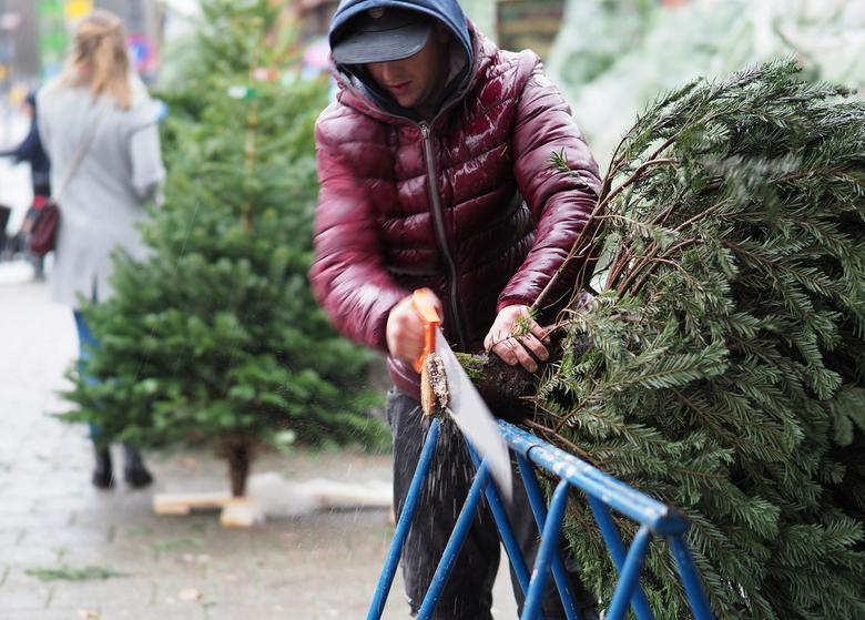 Kerst - Recht maken ...voor het kruis <br /> Oef  ..het  was  bar  slecht weer..<br /> Maar toch een rondje gedaan over  de Kerstmarkt  Haarlem