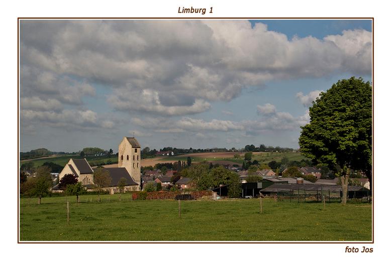 Limburg 1 - Afgelopen 5 dagen hebben we heerlijk in Zuid Limburg vertoeft. Het is daar toch wel een erg mooi stukje Nederland. Ieder bedankt voor de r