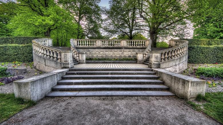 Landgoed Clingendael.19.jpg - Landgoed Clingendael<br /> <br /> De Frans stenen trappen van Springer (1887) in de Holland tuin.<br /> <br /> Cling