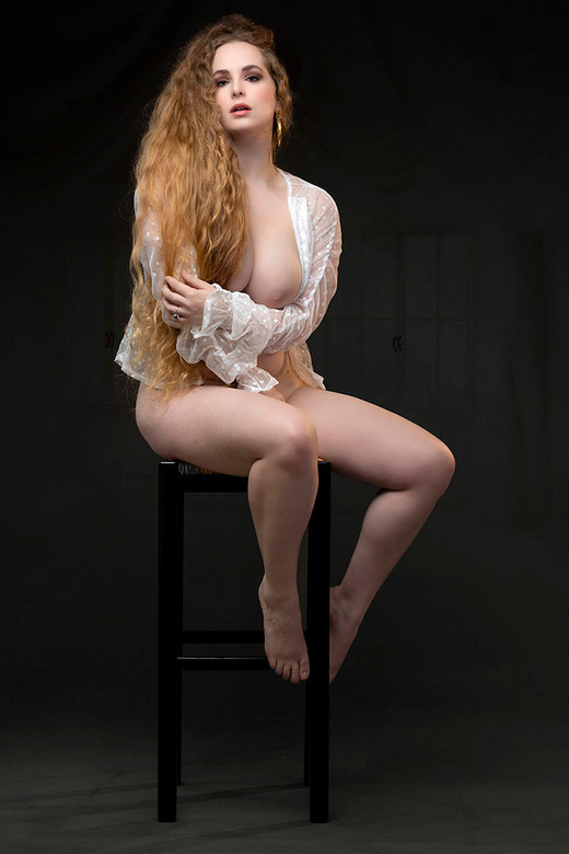 Beautiful Jezebelle - model Jezebelle