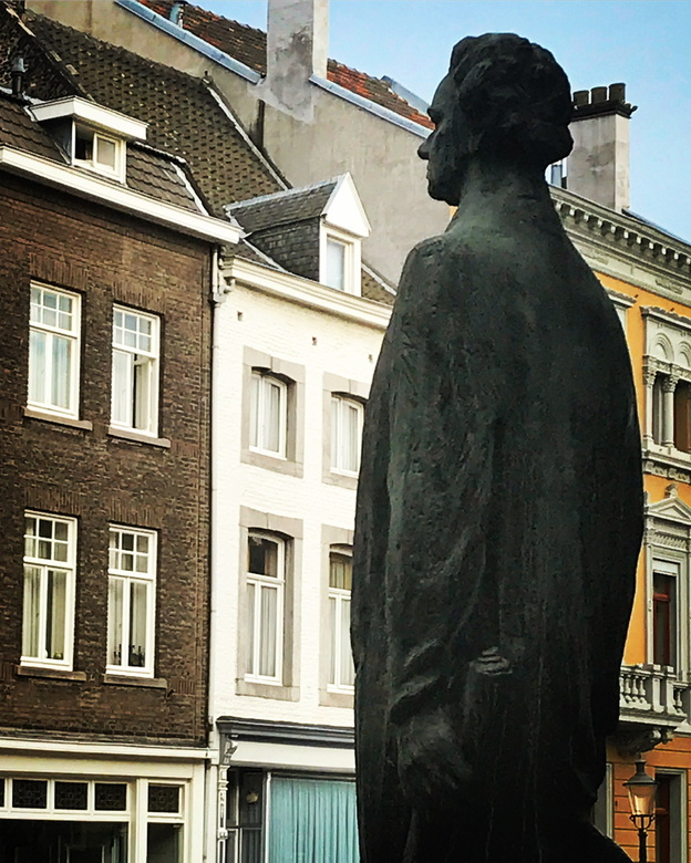 Maastricht 02 - Veel toeristen die Limburg bezoeken gaan ook altijd naar Maastricht. En dat is natuurlijk niet voor niets. De stad van Andre Rieu heef