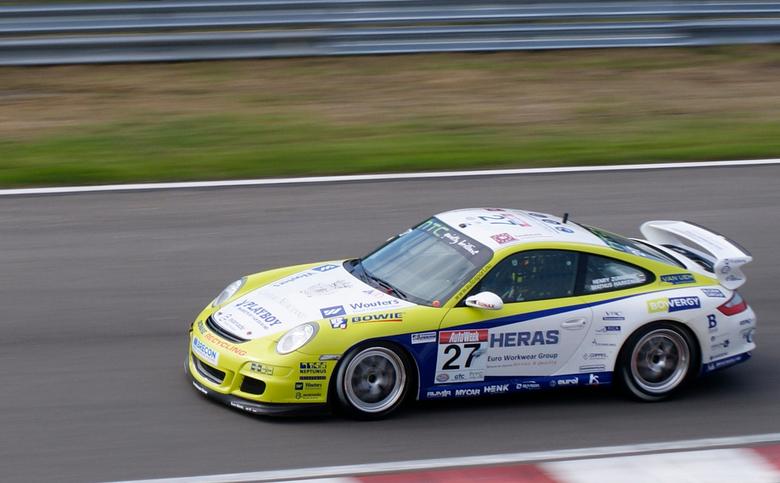 Pinksterraces 2011 - Afgelopen weekend heerlijk aan het fotograferen geweest tijdens de pinksterraces. Hier een Foto van de GT4 race op de maandag.