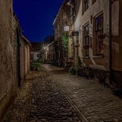 Buren by night