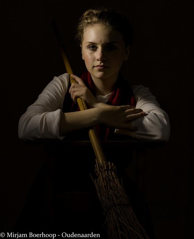 Bonnie in Rembrandt stijl - Op de fotofair de masterclass Meesters van het Licht van Dora van de Loo gevolgd. Aan de instellingen heb ik niks zelf ged