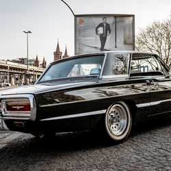 Ford Thunderbird 4th Generation