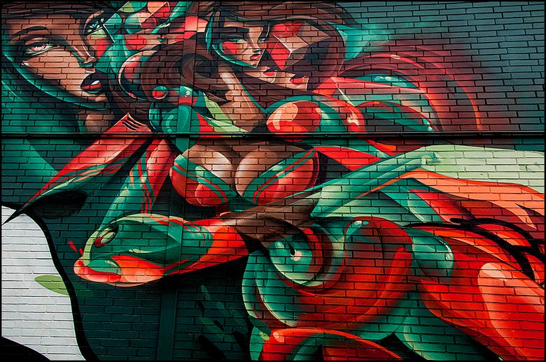 DDW 84 - Graffiti komen we in heel wat formaten en uitstralingen tegen. Helaas niet altijd even mooi en ten gunste van de omgeving. Velen ergeren zich