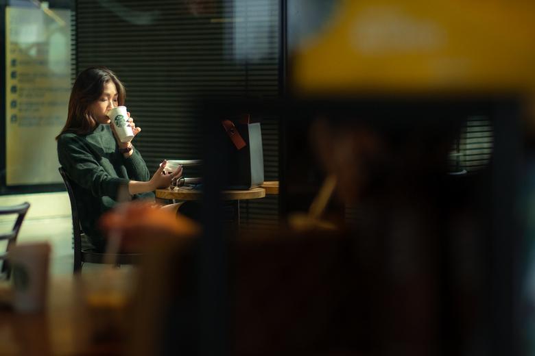 Starbucks chronicles  - Licht en kleuren maken deze foto voor mij een mooi geheel