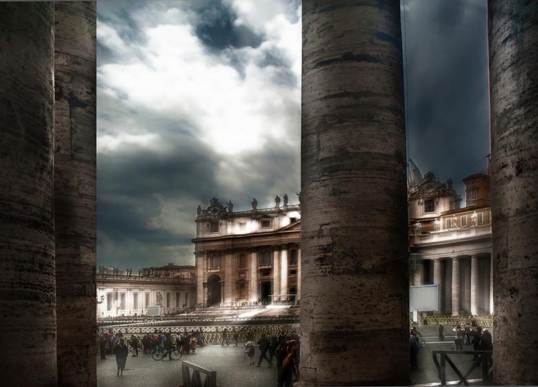 plein in Rome  - uitzicht op het Vaticaan<br /> een beetje gespeeld met deze foto <br /> vond het wel aardig zo.