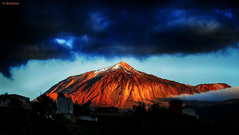 teide met sneeuwtop1804093929smntioctw - de vulkaan teide ca 3000m