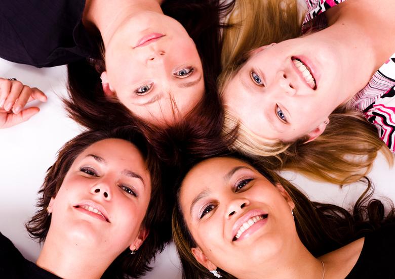 4 chicks - Nog een foto uit een ouwe doos. Helaas lag het model links onder niet helemaal in lijn met de rest maar vond hem toch  leuk genoeg om te pl