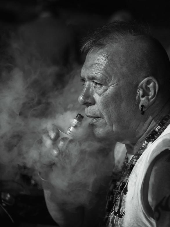 English gentleman Smoking  - Geen woorden,...