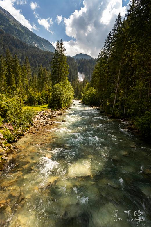 Krimmler waterval 5 - En voorlopig even de laatste foto uit mijn serie van die prachtige waterval in Oostenrijk. Dank voor jullie reacties en een fijn