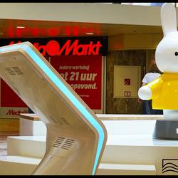 Nee man..echt ..ruim een meter hoog en met een geel shirtje  aan ..!!!