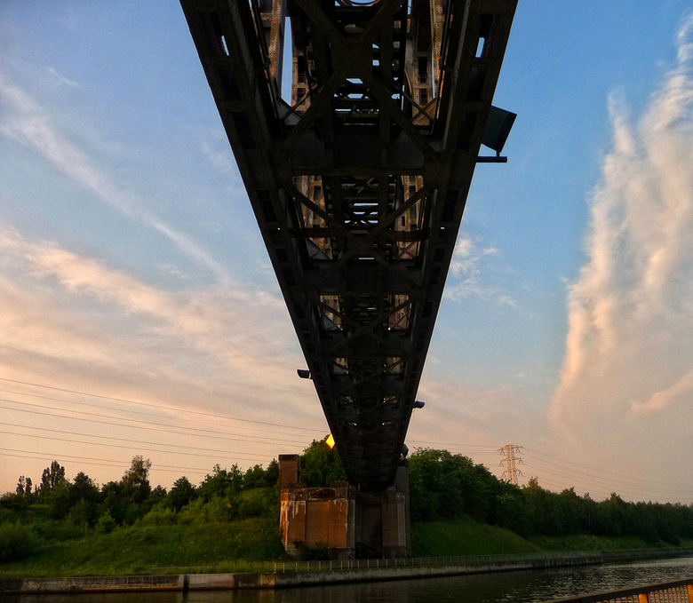 urban bridge - P1110826.JPG