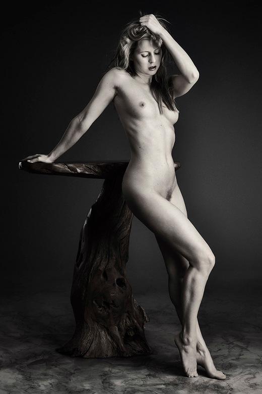 Nude Art met tafel - met Anna Johansson