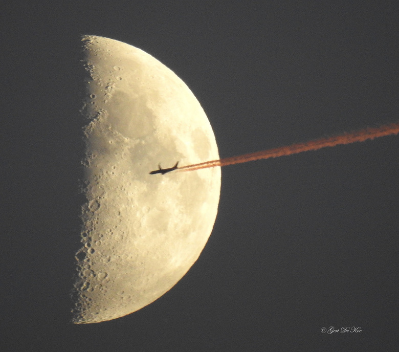 Flying To The Moon 3...