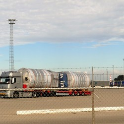 P1030746 kopie  Mercedes Actros  Stena line opstel plek  9 sept 2018