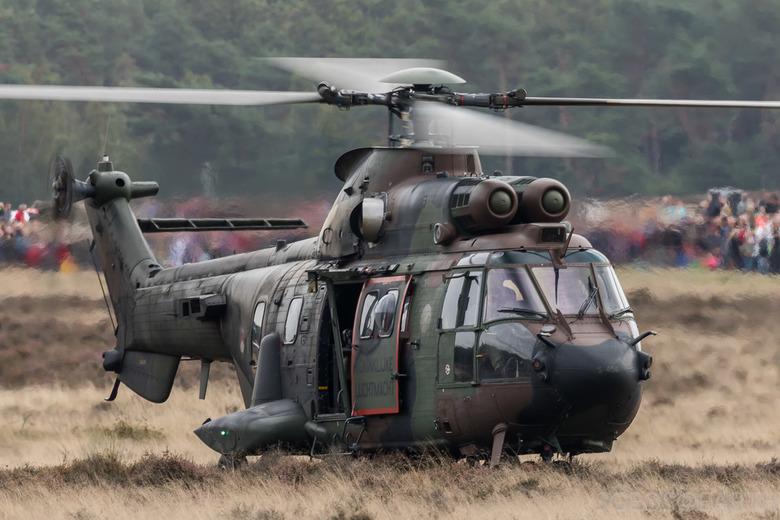 Airborne 2018 - Demo helicopters tijdens herdenking Airborne luchtlandingen - Ginkelse heide - Ede